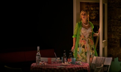 (l-r) Imogen Stubbs as Carol Ann Price (1)